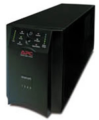 NO BREAK APC SMART-UPS 1000VA USB & SERIAL, 8 CONT